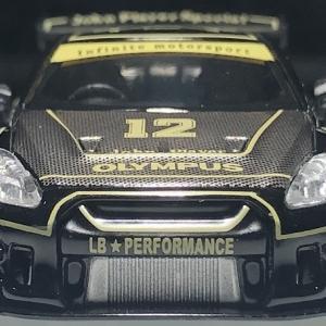 MINI GT    R35  John  Player  Special   。