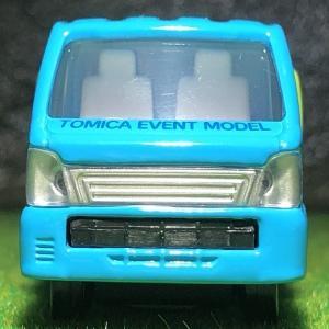 【TOMICA】 キャリィ ぶた運搬トラック  。