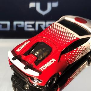 TOMICA   HURACAN  PERFORMANTE    50th  Anniversary  。