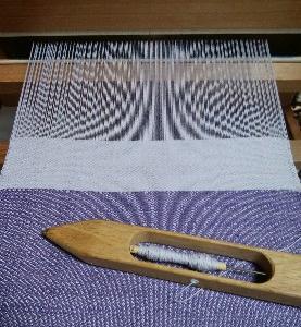 同系色はしっくりきます。~織りの続き~