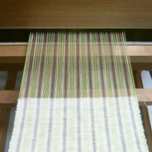 今回も手紡ぎ糸で。