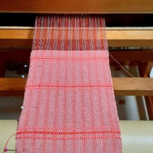 織り模様が入ってまた違った雰囲気に。