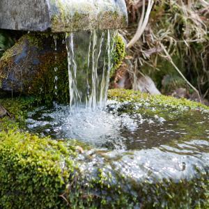 車旅で福島県大内宿『御側原追分』と薬水