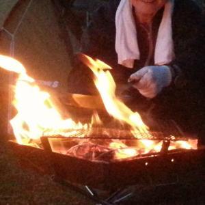 焚火で「ひとりのゆったりした時間」を過ごす方法