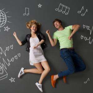 全国統一小学生テストのCMを見て一緒に歌って踊ろう