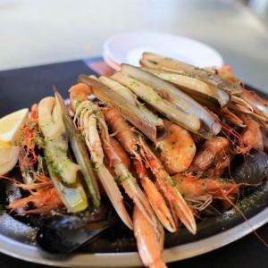 【Restaurante O'Retorno】バルセロナでコスパ最高!!おすすめ大盛シーフードプレート