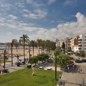 【シッチェス/Sitges】バルセロナから電車で40分!ゆったりとリゾートを満喫できる素敵な街