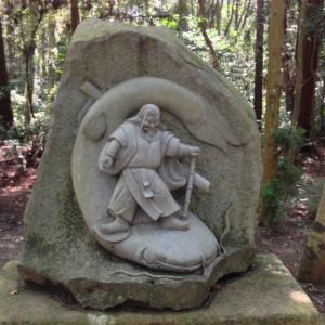 神社のパワーを感じる事で見えない世界を信じるようになる。オススメは鹿島神宮の要石