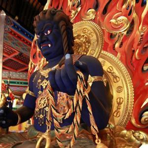 仏様は入れ物の仏像によって性格が変わる。
