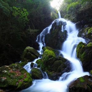 見々久の滝