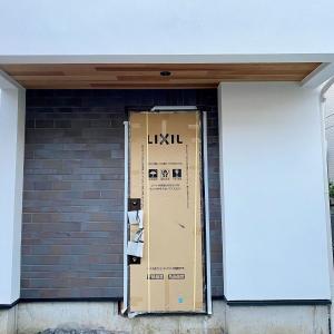 狛江の家、タイル工事完了!
