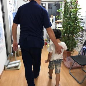 子供の脚(足)や,歩き方が気になる方は