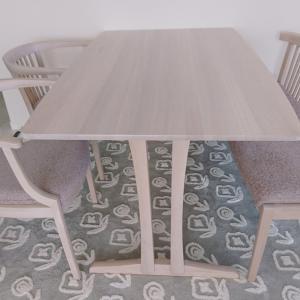 カリモク家具のダイニングセット
