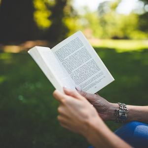 【ミニマリスト】読まない本はすぐに手放そう