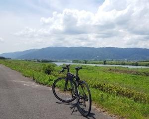 揖斐川を河口へ走る