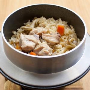 本日の一品、鶏釜飯とお浸し