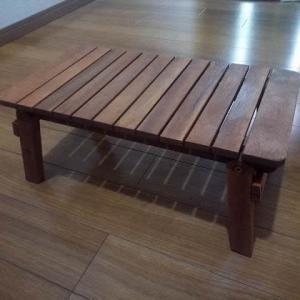 木製のミニテーブルを買った