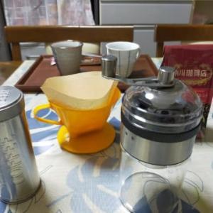 ダイソーで買ったコーヒーミルを使った