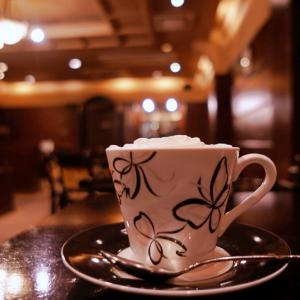 十三の純喫茶『カッスルクーム』|イギリスの田舎町のようなカントリー調のお店
