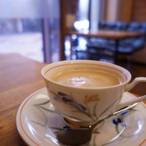 『喫茶バンビ』|大正区にあるステンドグラスが美しい純喫茶店