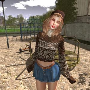 Luas Nuria Sweater VIP GIFT