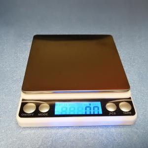 高精度デジタル秤を購入