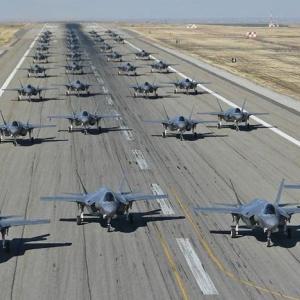【悲報】米空軍の最高機密機…地上から撮影されるwwwwww