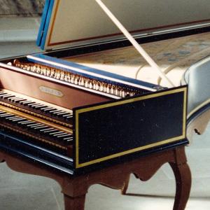 バッハ:ピアノソロ曲なのに「協奏曲」?