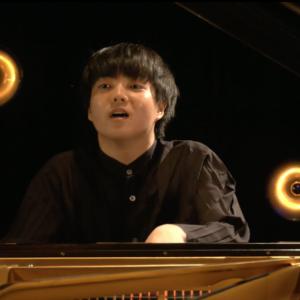 藤田真央くん、モーツァルトが弾いているようなピアノソナタ?♪
