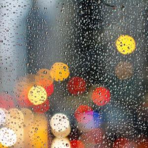 【外壁や屋根】ガルバリウム鋼板にすると雨音がうるさい?の真相