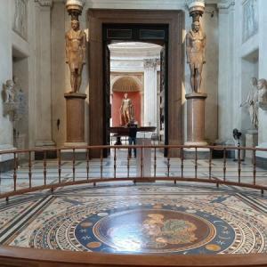 ヴァチカン美術館 その6 円形の間とギリシャ十字の間(Sala Rotonda & Sala a Croce Greca)