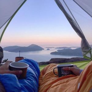 【初心者向け】初心者向けの寝袋(シュラフ)おすすめ5選!キャンプで人気のシュラフを紹介!