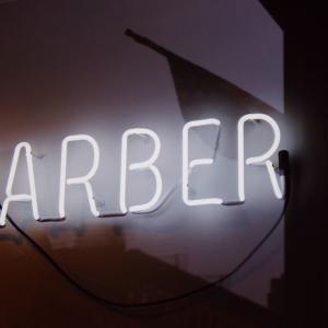 【マルタ留学】Pacevilleすぐ!オシャレな隠れBarber・バー『The Thirsty Barber』