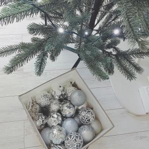 ブルーとシルバーのクリスマスツリー