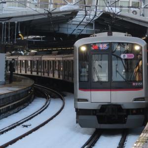 《東急》【写真館200】来週見られる???2年前の大雪の中を走る東横線