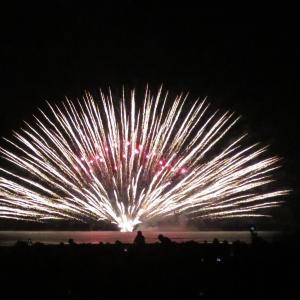 《徒然記》【写真館55】夏の夜空に彩る花火