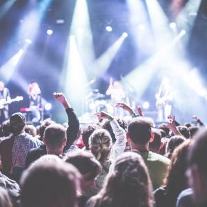 B'z(ビーズ)ライブ2020をお得に視聴する方法や見逃し配信も紹介
