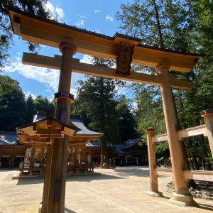 上高地から下りてきて「穂高神社」へ