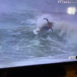 オリンピック漬け。今日はサーフィン準決勝、決勝