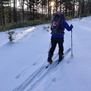 狩勝峠でスキー