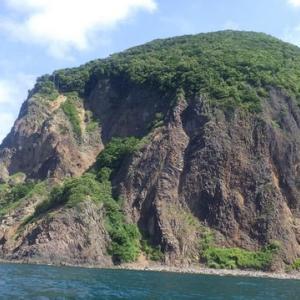 義経の涙岩 (ルーラン海岸)