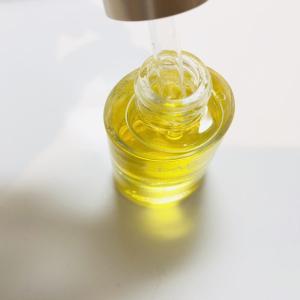 【口コミ】100%ピュアオイルのクラランスドライスキンを使ってみた感想。香りや保湿力についてレポ!