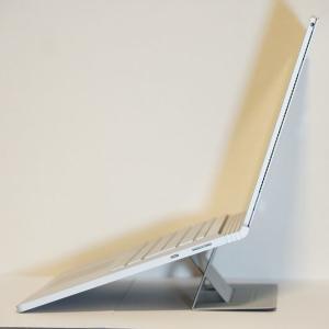 Surface Book 3には【MOFT】のPCスタンドが超便利。折りたたみ式でテレワークや出先でもおすすめ!【MS006】