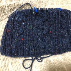 また、編みかけ