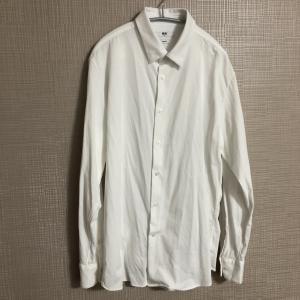 ユニクロの白シャツはイージーケアジャージーシャツがオススメだよ。