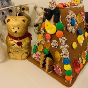 【クリスマスの風物詩?】パリッとした小さな家