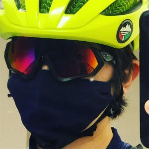 サイクルウェアメーカーの布マスク達