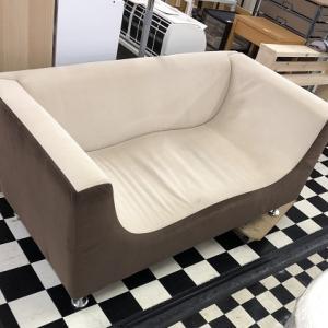 ω←この形のソファー