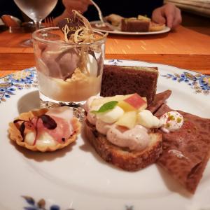 幻想的!リッツカールトン大阪のチョコレートブッフェ2019に行ってきた!幻想的なチョコレートの王国へ ベルギーチョコレート アフタヌーンブッフェ