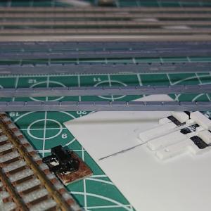 側溝蓋と電気転てつ器を作りました。